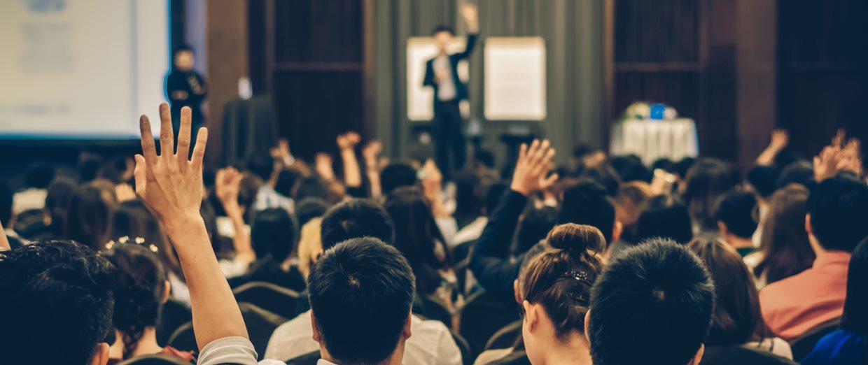Participación en charlas inspiradoras